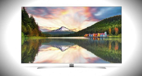 You won't believe how big this TV that LG just unveiled is