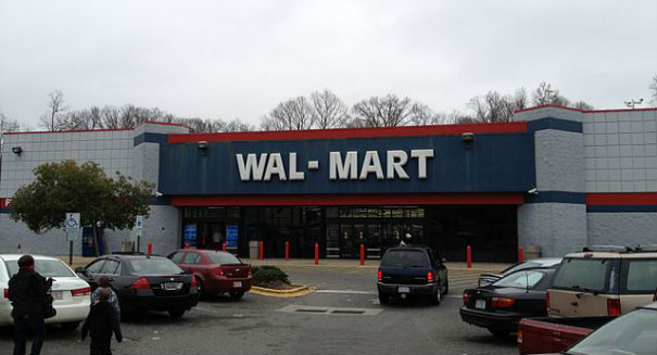 Terrorism panic at Missouri Wal-Mart after two immigrants buy 59 cell phones