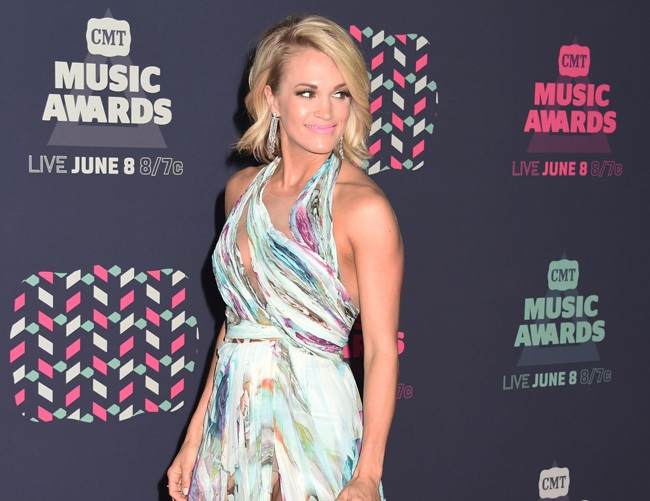 Carrie Underwood exercises two hours a day