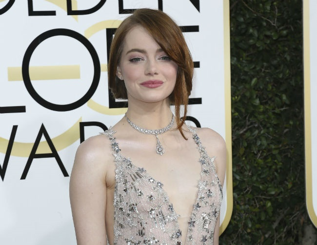Emma Stone gives dating advice to fellow actors