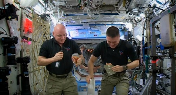 ISS astronauts ate some gross stuff for Thanksgiving [VIDEO]