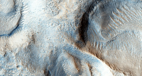 NASA releases stunning pictures of Mars