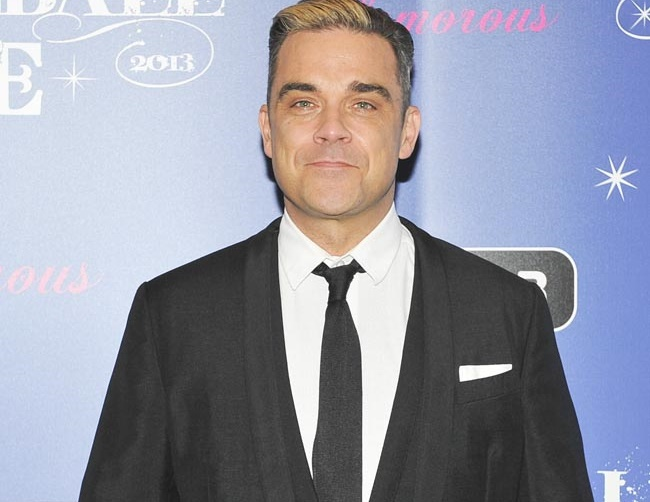 Robbie Williams praises wife Ayda Field