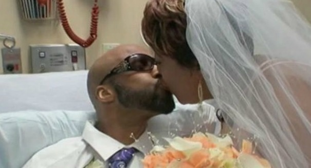 Terminal cancer patient weds longtime partner in tear-jerking ceremony