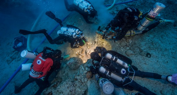 Underwater Archaeologists Find Ancient Human Skeleton in Antikythera Shipwreck